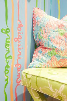 Lilly pillow