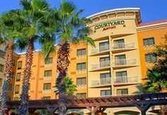 Courtyard Marriott In Grand Boulevard Is Just A Short Walk To Great Ping And Dining Florida Resortsdestin