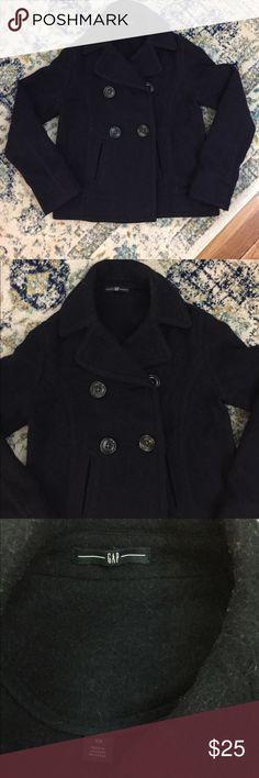 Gap coat Navy blue pea coat in great condition. Just needs a lint roller over it, has a few fuzzies but no piling! GAP Jackets & Coats Pea Coats