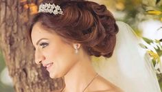 Perfect Gorgeous Mother of the Bride Hairstyles: 70 Ideas, Looks, Inspiration https://bridalore.com/2017/07/11/gorgeous-mother-of-the-bride-hairstyles-70-ideas-looks-inspiration/