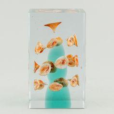 Hagelstam & Co tarjoaa asiantuntijapalvelua suurenmoisen muotoilun, arvokkaan antiikin ja klassisen ja modernin taiteen keskellä. Glass Design, Design Art, New Pins, Modern Contemporary, Retro Vintage