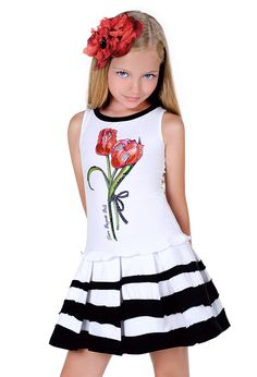Cute outfit for a day on the town Little Girl Outfits, Little Girl Fashion, Little Dresses, Girls Dresses, Cute Outfits, Summer Dresses, Beautiful Little Girls, Cute Girls, Kids Frocks