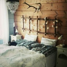 Rustikk hyttestil på soverommet