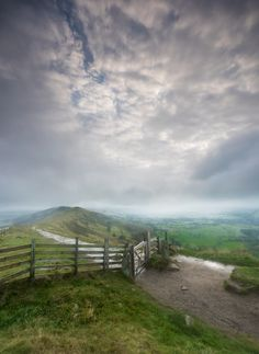Mam Tor, Peak District, England by howardedward
