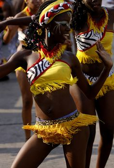 Mapale,Colombia African Life, African Culture, African Women, Black Women Art, Beautiful Black Women, Black Girls, African Beauty, African Fashion, Costume Carnaval