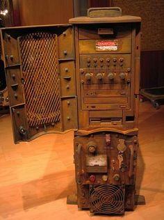 "Retrospective Series of Influential PC Case Mods: ""Experimental Lambda Core"" Half Life 2 Case Mod.   Case Mod Blog"