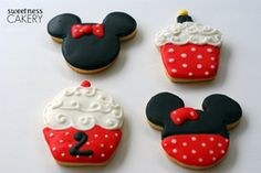 Could easily make these Mickey Mouse.    @Amber M. - 1. I could see you making these. 2. It reminds me of your Mickey Mouse pedicure