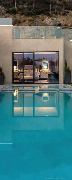 This is a beautiful pool.. All I have to do is walk out of my bedroom, and babam, there's a pool.!