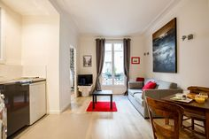 Lovely 2 bedroom flat, ideal for 4. Close to Jardin du Luxembourg, Tour Montparnasse.