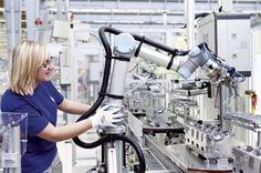 A tecnologia facilita a vida de todos nós mas surgem preocupações sobre a sua autonomia e o crescente espaço que os robôs e a inteligência artificial vêm ocupando nos últimos tempos. Um site calcula as chances de um robô roubar seu emprego. Saiba qual no  http://ift.tt/1IJoGoo