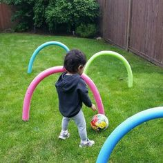Kids Health Have some fun outdoors this summer by making this super easy and cheap obstacle course using pool noodles from the dollar store and bbq skewers. Great for children who are learning to crawl or for older kids to practice ball skills. Kids Outdoor Play, Backyard Play, Backyard Games, Backyard Ideas, Outside Activities, Summer Activities, Outside Games For Kids, Summer Games, Toddler Fun