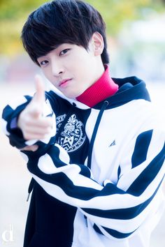 Kim In Seong 김인성 || Sf9 || 1993 || 184cm || Main Vocal || Dancer
