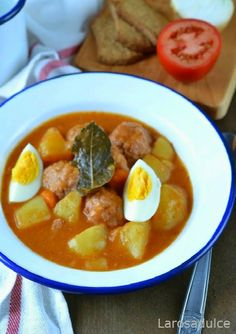 <CENTER>GUISO DE ALBÓNDIGAS</CENTER> | La Rosa Dulce Healthy Cooking, Cooking Recipes, Healthy Recipes, Spanish Dishes, Colombian Food, Yummy Food, Tasty, Mediterranean Recipes, Winter Food