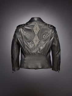 Worn to be Wild: The Black Leather Jacket - Chaqueta diseño Versace