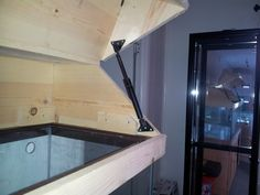 DIY Canopy - do most of you build the canopy to rest on top of tank or drop down over - Reef Central Online Community Aquarium Sump, Diy Aquarium Stand, Home Aquarium, Aquarium Design, Aquarium Fish, Aquarium Hood, Aquarium Ideas, Cool Fish Tanks, Saltwater Fish Tanks
