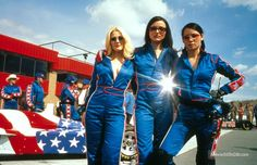 Drew Barrymore, Cameron Diaz, and Lucy Liu publicity portrait for the film 'Charlie's Angels', Get premium, high resolution news photos at Getty Images Charlies Angels Costume, Charlies Angels Movie, Charlize Theron, Xmen, Priyanka Chopra, Pulp Fiction, Hunger Games, Trio Costumes, Most Popular Halloween Costumes
