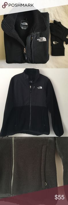 North Face Denali black fleece size M Black North Face Women's Denali fleece. Gently used, but still has a lot of left left. See pics for slight pilling on black. Elastic drawstring at bottom. Size women's medium. Zip pockets keep everything stashed safe. Great heading into fall! 100% authentic North face. North Face Jackets & Coats