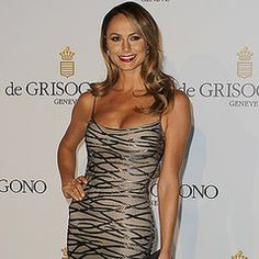 Stacy Keibler's Head-to-Toe Bikini Workout- 5 minutes! You just need a chair and a pillow.  Great fine toning moves :)