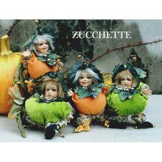 Zucchetta - Laboratorio Monte Dragone di Stefania Rossetti Dragon, Christmas Ornaments, Holiday Decor, Lab, Christmas Jewelry, Dragons, Christmas Decorations, Christmas Decor