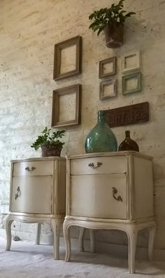 La Llave Deco: Trabajos realizados. Dream Furniture, Upcycled Furniture, Vintage Home Decor, Decoration, Chalk Paint, Entryway Tables, Beautiful Pictures, Sweet Home, Shabby Chic