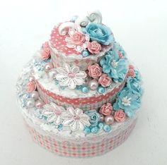 Wonderful little cake - made by Ingrid Shabby Chic Crafts, Shabby Chic Decor, Decoupage Box, Paper Cake, Altered Boxes, Small Cake, Box Cake, Mini Cakes, How To Make Cake