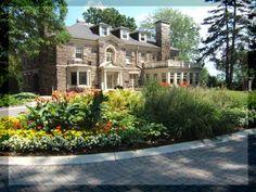 Paletta Lakefront Park for Weddings and Banquet halls in Burlington, Ontario