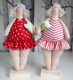 Lindas änglar: Två baddamer i rött