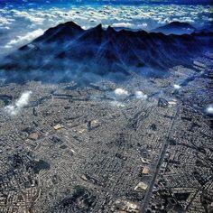 Espectacular! #Monterrey desde el cielo. Vía @BronikF: