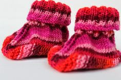 Baby Knitting Patterns Socks Today I want to show you how to knit some baby shoes quickly … Baby Knitting Patterns, Baby Booties, Baby Shoes, Patterned Socks, Textiles, Knit Crochet, Tweed, Booty, Scrappy Quilts