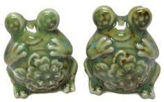 Frog salt pepper Shakers, Ceramic, Green GLAZE, Vintage, Smiling Happy Frogs