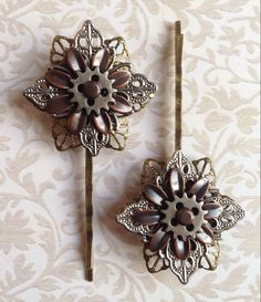 Steampunk inspired Hair Accessories - set of 2 metal flower and gear hair grips/bobby pins - with free delivery & gift box by jayedesigns on Etsy