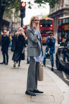 Tendance Chaussures 2017/ 2018 : On the street at London Fashion Week. Photo: Moeez Ali
