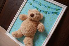 Schilderijtje voor op babykamer. Leuk als cadeau. Haal een fotolijst en een leuk knuffeltje en knutselen maar... Geïnspireerd door pinterest.