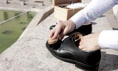 Il suffit de demander autour de nouspour le constater : les chaussures sont un élément majeur de notrestyle. D'ailleurs, j'ai coutume de dire qu'on ne pe