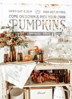 Vintage Inspired Amber Bottle DIY Farmhouse Baskets, Modern Farmhouse Decor, Farmhouse Style Decorating, Porch Decorating, Mod Podge Glass, Apple Cider Bar, Orange Food Coloring, Faux Pumpkins, Amber Bottles