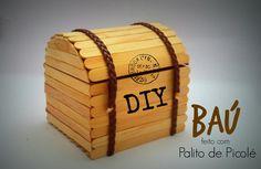 DIY │[Série Palitos de Picolé] 1 - Baú (Chest stick popsicle) - Cristian... Craft Stick Projects, Craft Stick Crafts, Wood Crafts, Diy Crafts Images, Diy And Crafts, Crafts For Kids, Popsicle Stick Crafts House, Popsicle Sticks, Ice Cream Stick Craft