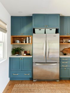Galley Style Kitchen, New Kitchen, Kitchen Design, Kitchen Decor, Kitchen Tops, Interior Windows, Kitchen Trends, Kitchen On A Budget, Kitchen Styling
