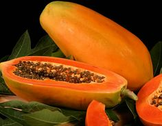 Papaya is one of the best fruits for skin care. Papaya cleanses and make skin to glow in a healthy way. There are much benefits of papaya for skin care. Healthy Fruits, Fruits And Vegetables, Healthy Eating, Healthy Recipes, Healthy Food, Jam Recipes, Fresh Fruit, Fruit Seeds, Natural Home Remedies