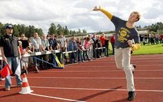 World Mobile Phone Throwing Championship - Finland is calling all cellphone haters