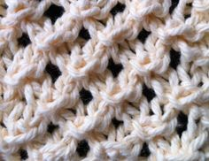How To Knit the Open Star Stitch | The Weekly Stitch.  I'm thinking market bags.