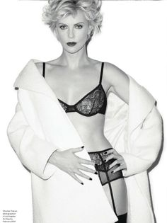 Actress Charlize Theron lands the cover story of Esquire UK Magazine& July 2014 edition captured by photographer Terry Richardson. Terry Richardson, Charliez Theron, Celebrities In Stockings, Imperator Furiosa, Esquire Uk, Charlize Theron Oscars, Actrices Sexy, Atomic Blonde, James Franco