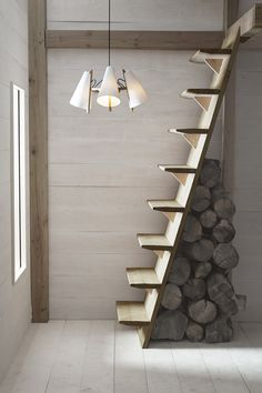 70 Clever Loft Stair Design for Tiny House Ideas – Insidexterior 30 Versatile Decorating of Stairs Ideas Design Tiny House Stairs, Attic Stairs, Stairs To Loft, Basement Stairs, Escalier Art, Simple Chandelier, Save For House, House Ideas, Staircase Design