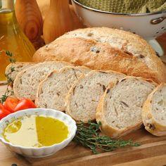 Exquisito pan de aceitunas