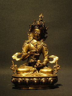 Tibet nom tibétain: Dorje Sempa Méthode de cire perdue, bronze plaqué or,inscruté de pierres semi-presieus corail et turquoise Vajrasattva, est un bouddha du courant vajrayāna. Purificateur du karma, il concentre les énergies et la sagesse des cinq dhyani bouddhas dont il est parfois décrit comme l'essence. La pratique de Vajrasattva est centrée sur la confession et la purification.