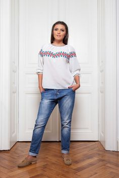 A comfortable, autumn outfit. #florideie #fashion #style #designer #romaniandesign #comfy #ootd #autumn End Of Summer, New Outfits, Designer, Vibrant Colors, Ootd, Unique, Pants, Collection, Style