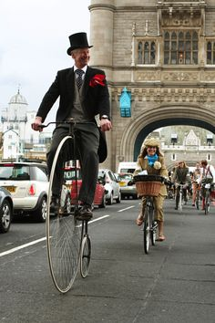 Tweed Run London Gentleman Hat, Tweed Ride, Run And Ride, Penny Farthing, Cycle Chic, Equestrian Outfits, Vintage Bicycles, Well Dressed Men, Cycling Bikes
