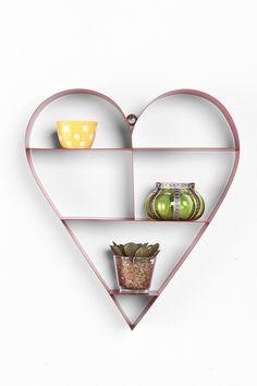 Pas d'idées pour faire plaisir à votre chérie le jour de la Saint-Valentin? découvrez la sélection de Femina.ch!    http://www.femina.ch/galeries/mes-bons-plans/saint-valentin-30-idees-cadeaux-pour-elle
