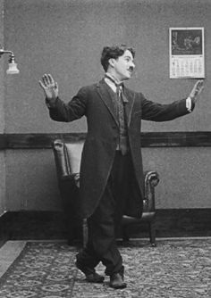 Charles Chaplin-what a great pic! Charlie Chaplin, Silent Film Stars, Movie Stars, Vevey, Chaplin Film, Charles Spencer Chaplin, My Prince Charming, Old Hollywood Movies, Comedians