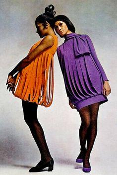 Pierre Cardin 1969 bubble shift mini dresses have a car wash him bodice 60s And 70s Fashion, 60 Fashion, Fashion Mode, Fashion History, Retro Fashion, Vintage Fashion, Fashion Outfits, Fashion Design, Gothic Fashion