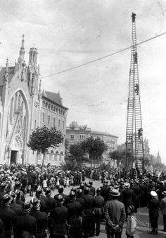 Cuerpo de Bombero - Exhibición pública en la Avinguda Diagonal/Passeig de Gràcia (1920) Arxiu fotogràfic de Barcelona